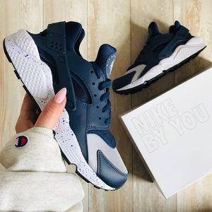 NWT Nike ID Custom Huarache Run